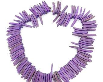 SALE 15% OFF Kokos, Sticks, lila, 23mm, 1 Strang, 125 Stück, Zähnchen, tusks