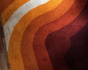 Vintage Verner Panton type pure wool ryamatta or rug in swirling retro oranges and reds circa 1960's