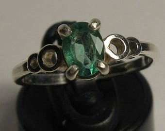 Natural emerald & sterling silver 925 ring size 6