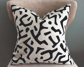 Tribal Throw Pillow, White and Black Pillow Cover, Decorative Pillow, Modern Toss Pillow, Home Decor, handmade, Accent pillow, linen pillow
