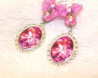 Boucles d'oreille cabochon motif fleur
