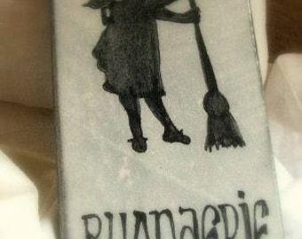 Plaque en lave émaillée : silhouette buanderie