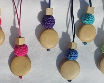Disc Necklace: mixture of wood and crochet