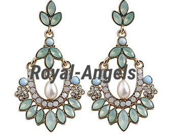 Women Flower Shape Faux Pearl Chadelier Earrings.
