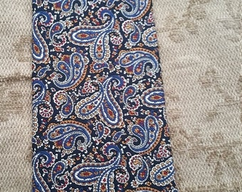 Spring Fling Brooks Brothers Paisley Silk Tie. Made in USA 59 Inches