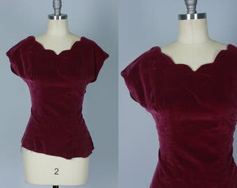 Vintage 1940s Top | 40s 50s Plum Purple Velvet Top with Scallop Neckline | Medium