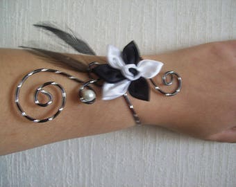 Bridal bracelet wedding black and white wire aluminum crafted satin flower diamond effect feather evening ceremony Christmas