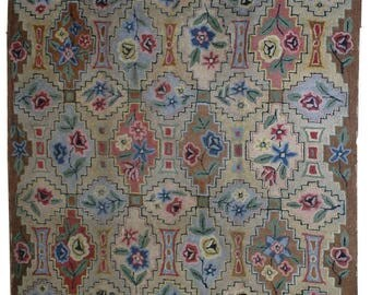 Hand made antique American Hooked rug 6' x 8.10' ( 183cm x 272cm ) 1900s