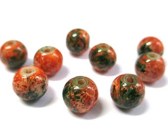 10 orange marbled green beads dark glass 10mm (S-40)
