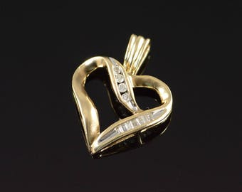 10k 0.15 Ctw Channel Set Diamond Open Heart Pendant Gold