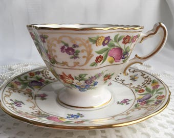 Hammersley China Tea Cup and Saucer, Dresden Sprays, 1940s, Crazing