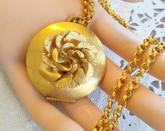 BEAUTIFUL Large Vintage Gold Rose Locket-Necklace and Pendant-Round-Chain-Long-All Orders Only 99c Shipping!!