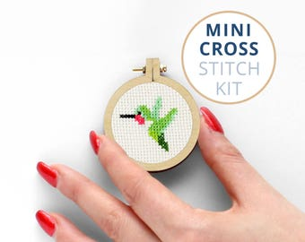 Tiny Hummingbird Kit Embroidery, Mini Stitch Kit, Small embroidery hoop, Tiny Bird Cross Stitch, Hummingbird Needlepoint Kit, Small Bird