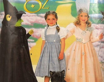 Simplicity 0631 child's Wizard of Oz costumes, breast 22-27