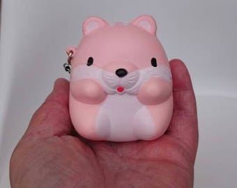 Jumbo 8.5cm chubby squishy hamster collectable squishy slow rising gorgeous strawberry smelling. High standard squishy.