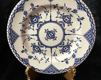 A quaint Staffordshire blue and white transferware plate