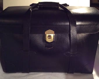 Korchmar black leather briefcase, attache, travel sales bag, physician, lawyer, salesman, student carrying case