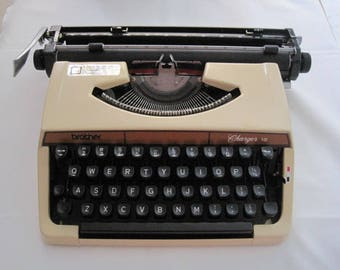 Vintage typewriter Brother Charger12 / Vintage Typewriter Brother Charger12 Delivery write to me your email Code have the exact price