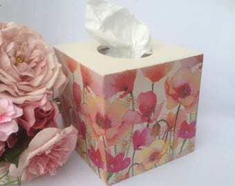Decoupage tissue box, red poppies, wooden, hand crafted tissue dispenser, bedroom decor, Mothers Day Gift, mums grandmas aunties sisters