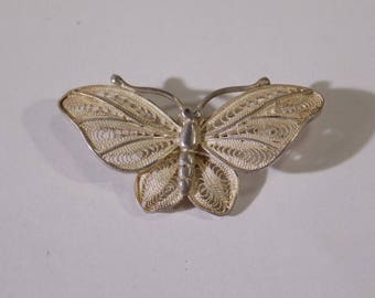 Beautiful silver butterfly brooch 33x17.5 mm