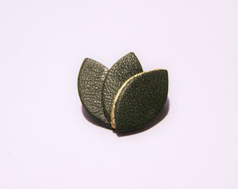 Gold Leather piping and dark green petals pin