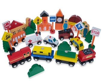 Set of 40 Pieces City Vehicles, Buildings, and Signs Wooden Blocks