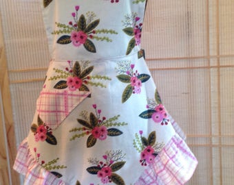 Lades apron, full apron , retro apron  , ruffled apron , flowered apron