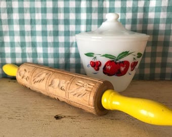 Springerle yellow handle carved rolling pin