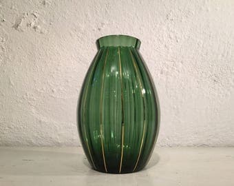 1950s glass vase by Per Lutken for Danish glassworks Holmegaard, moss green with optical stripes and gold stripes