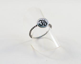 SB01 - Ring holder pattern Chakra 3rd eye OHM AUM Yoga antique silver Buddha Zen Meditation OMH