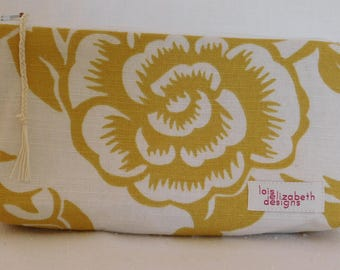 Gold and white washable cotton essential oil pouch with one sleeve for 5 roller bottles