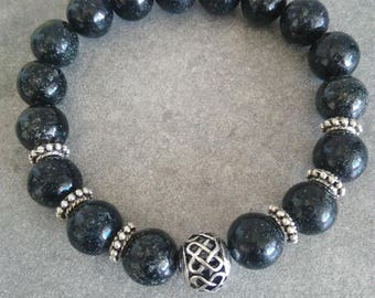 Energized bracelet well be in black Biotite Dark Knight 10 mm and silver Chinese knot bead
