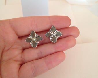 Vintage Clip on Earrings - Flower Earrings - Vintage - Earrings - Clip Earrings - Botanical Earrings - Dainty Earrings - Pretty Jewelry