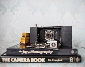Kodak Brownie Automatic Camera and expired film makes great lomography style pictures