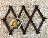 Vintage Wood Accordian Peg Rack Made in Taiwan