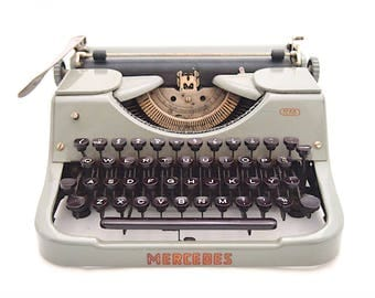 Mercedes K45 typewriter, Mercedes typewriter, 1940s, 1950s, grey golden typewriter, Dutch, working typewriter, portable typewriter, qwertij.