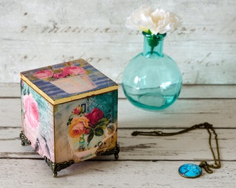Shabby Chic Trinket Box - Jewellery Box- Christmas Gift - Shabby Chic - Mother's Day Gift - Vintage Box - Birthday Gift