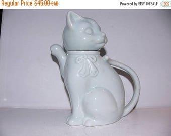 ON SALE Vintage Cat Teapot