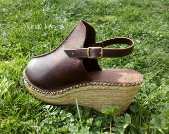 Open clogs in jute wedge. Leather Clog Spadrille. Leather Mule Spadrille. Free National shipping.