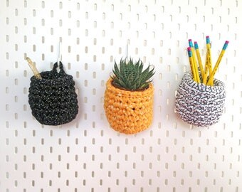 Small hanging baskets, studio tidy, pen pot, desk tidy, pegboard accessories, small crochet basket, hanging basket, nursery storage