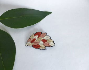 Brooch foliage / leaves embroidered / embroidered jewelry / Nature / embroidered accessory / colorful brooch / plant