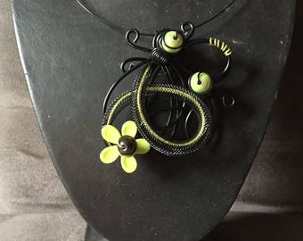 Mothers necklace in lime green aluminum wire