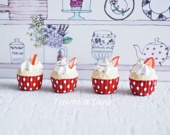 4 stitch markers knitting Strawberry Cupcake