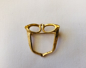 Vintage Cat Eye- Eye Glasses Holder Pin