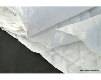 Diamond quilted white cotton double-sided