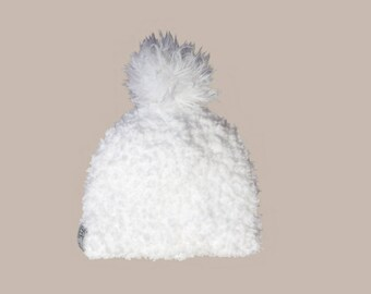 baby hat in white fur and silky tassel (0-24M)