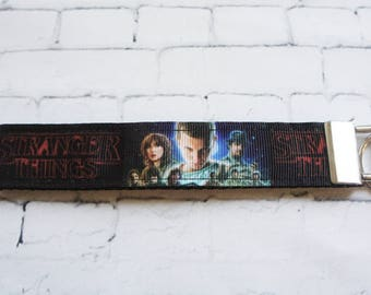 STRANGER THINGS  key Fob, key chain, wristlet keychain, Netflix, TV serie, eleven, Lucas, 80s, Upside down, cult show,