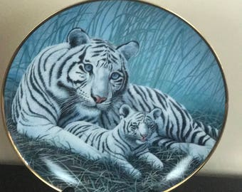 Fine Porcelain* White Tiger & Cub Collectors Plate* By Michael Matherly #S5403