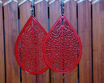 Nice and original pair of Red filigree earrings