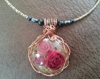 Wire wrapped resin Rose pendant and beaded memory wire choker